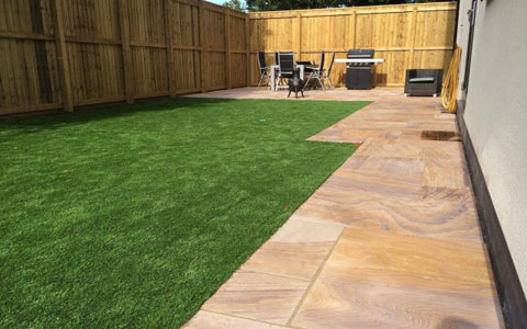 patio-artificial-grass